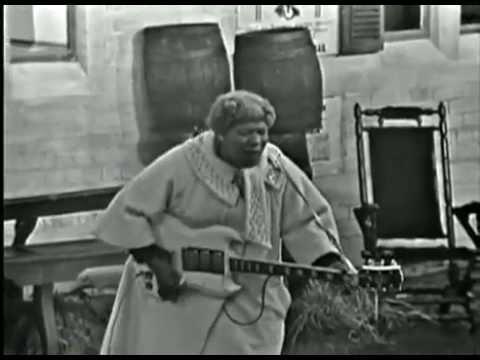 Sister Rosetta Tharpe - Didn't it rain, children
