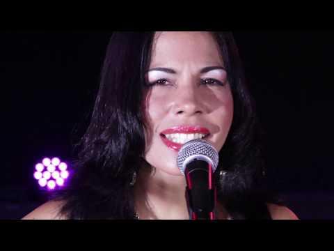 """Orquesta femenina ANACAONA de Cuba: """"EL PUNTO CUBANO"""""""