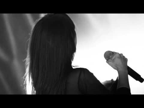 AMARAL - La Niebla (OFFICIAL VIDEO)