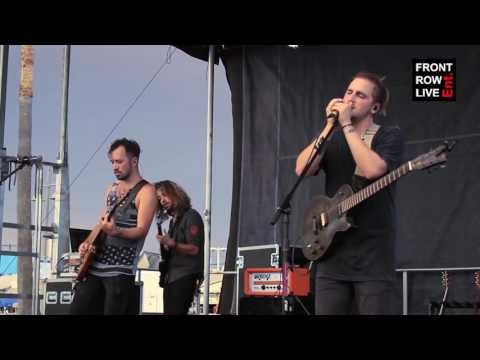 "Heffron Drive Perform ""Art of Moving On"" in Venice Beach"