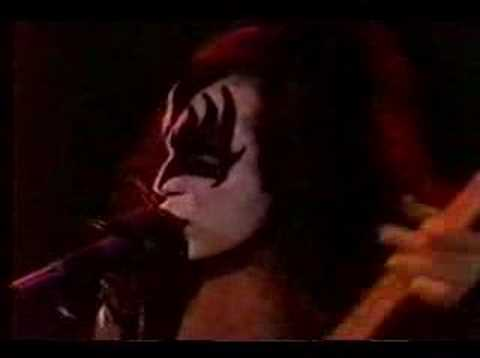 KISS-DRESSED TO KILL (FULL COMPLETE-VIDEO PROMO-1975).