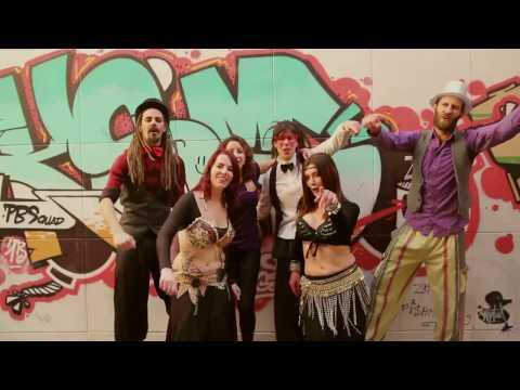 Alademoska - Somos Revolución (videoclip oficial)