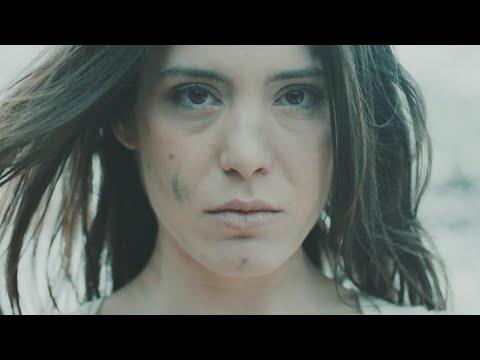 Dins la pell - Cultrum (Videoclip Oficial HD)