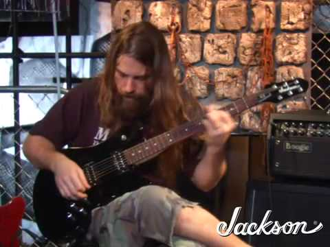 Mark Morton Demonstrates his new Jackson D2 (cheap ass version of his signature model).